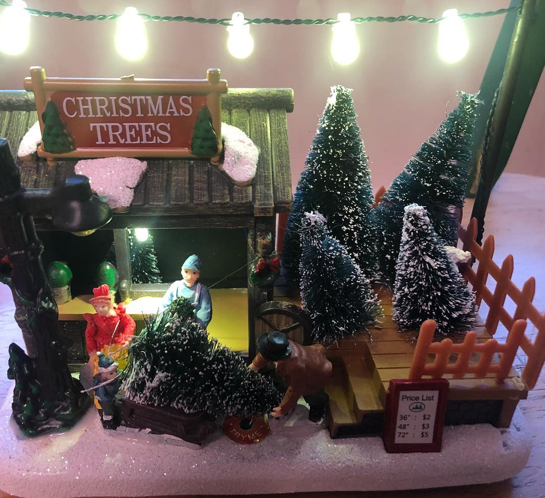 2019 Christmas Village Display Tree 12
