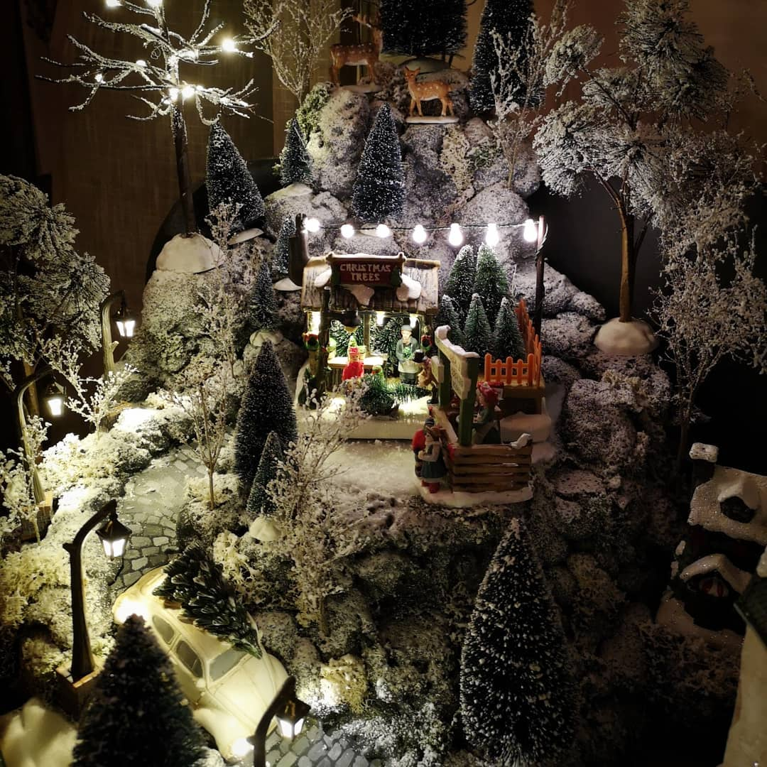 2019 Christmas Village Display Tree 13