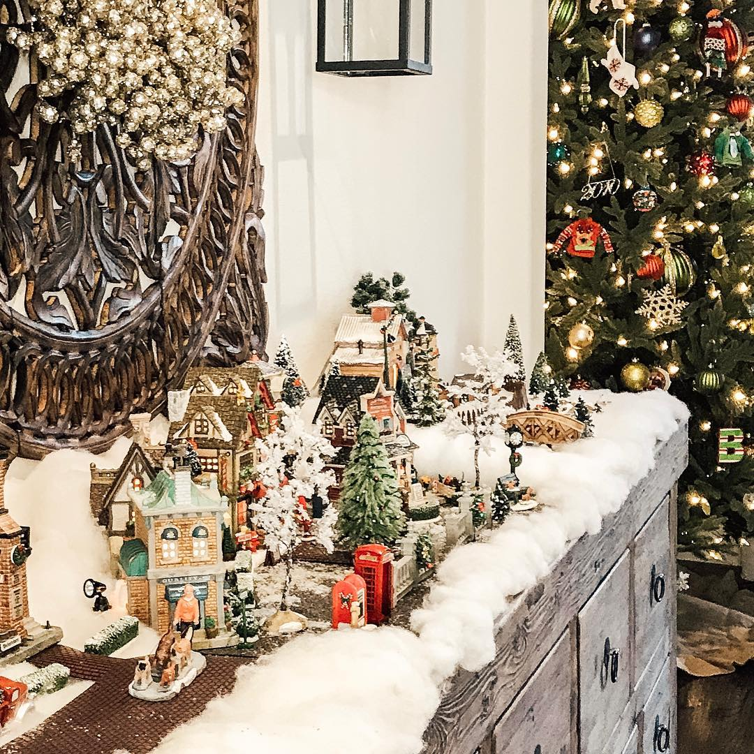 2019 Christmas Village Display Tree 9