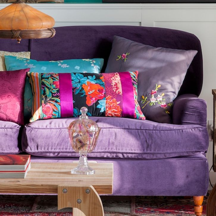 Decoration Samples with Lilac Armchairs 2020 (1)