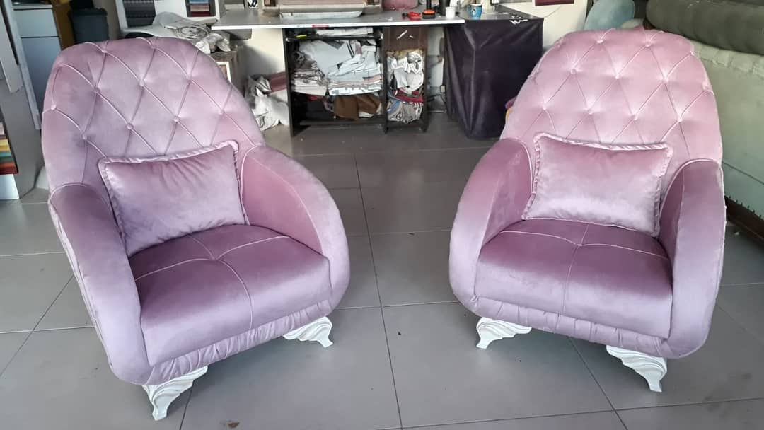 Decoration Samples with Lilac Armchairs 2020 (14)