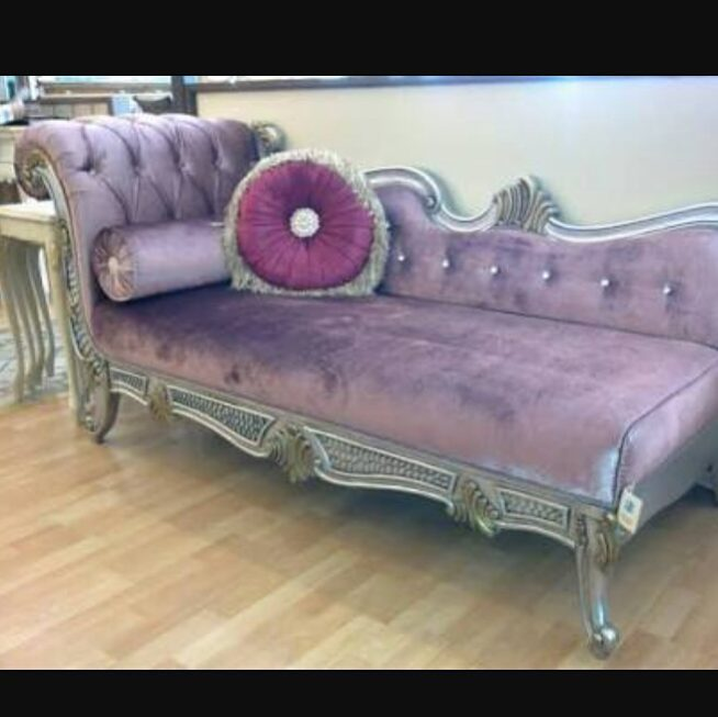 Decoration Samples with Lilac Armchairs 2020 (16)