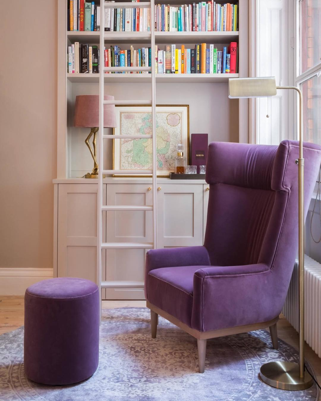 Decoration Samples with Lilac Armchairs 2020 (25)