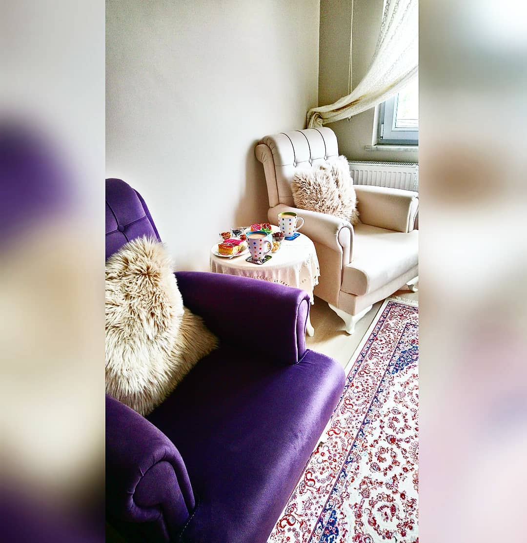 Decoration Samples with Lilac Armchairs 2020 (31)