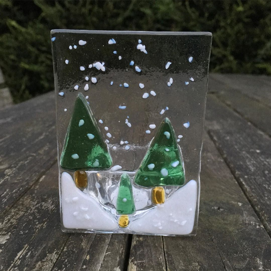 2020 Making glass ornaments for Christmas (1)