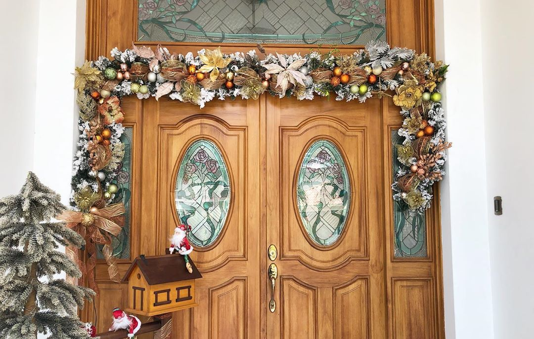 Christmas Door Decoration 2020 (17)