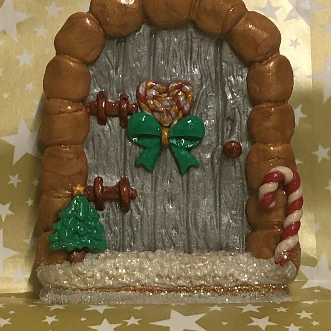 Christmas Door Decoration 2020 (22)Christmas Door Decoration 2020 (22)