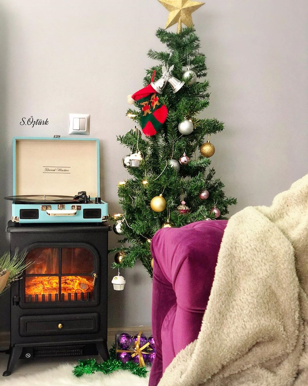 Fireplace Decorations for Christmas Home Decor 000 (4)