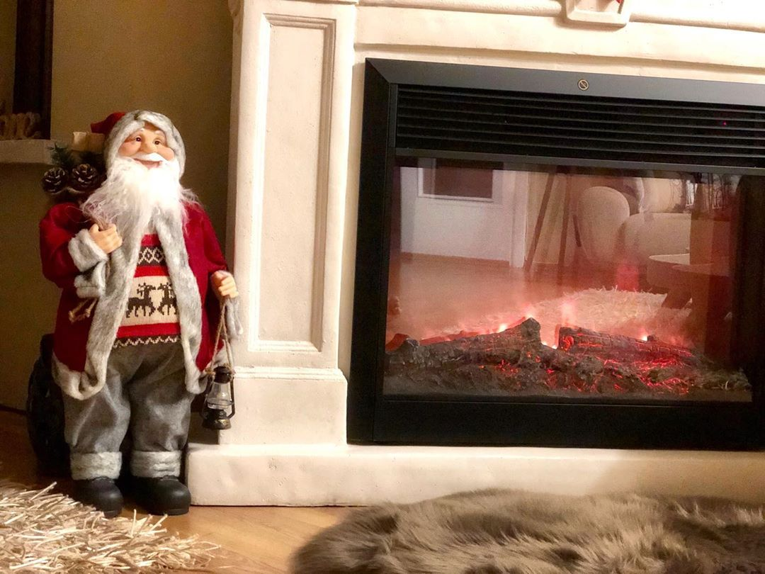 Fireplace Decorations for Christmas Home Decor (1)