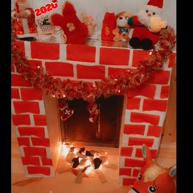 Fireplace Decorations for Christmas Home Decor (8)