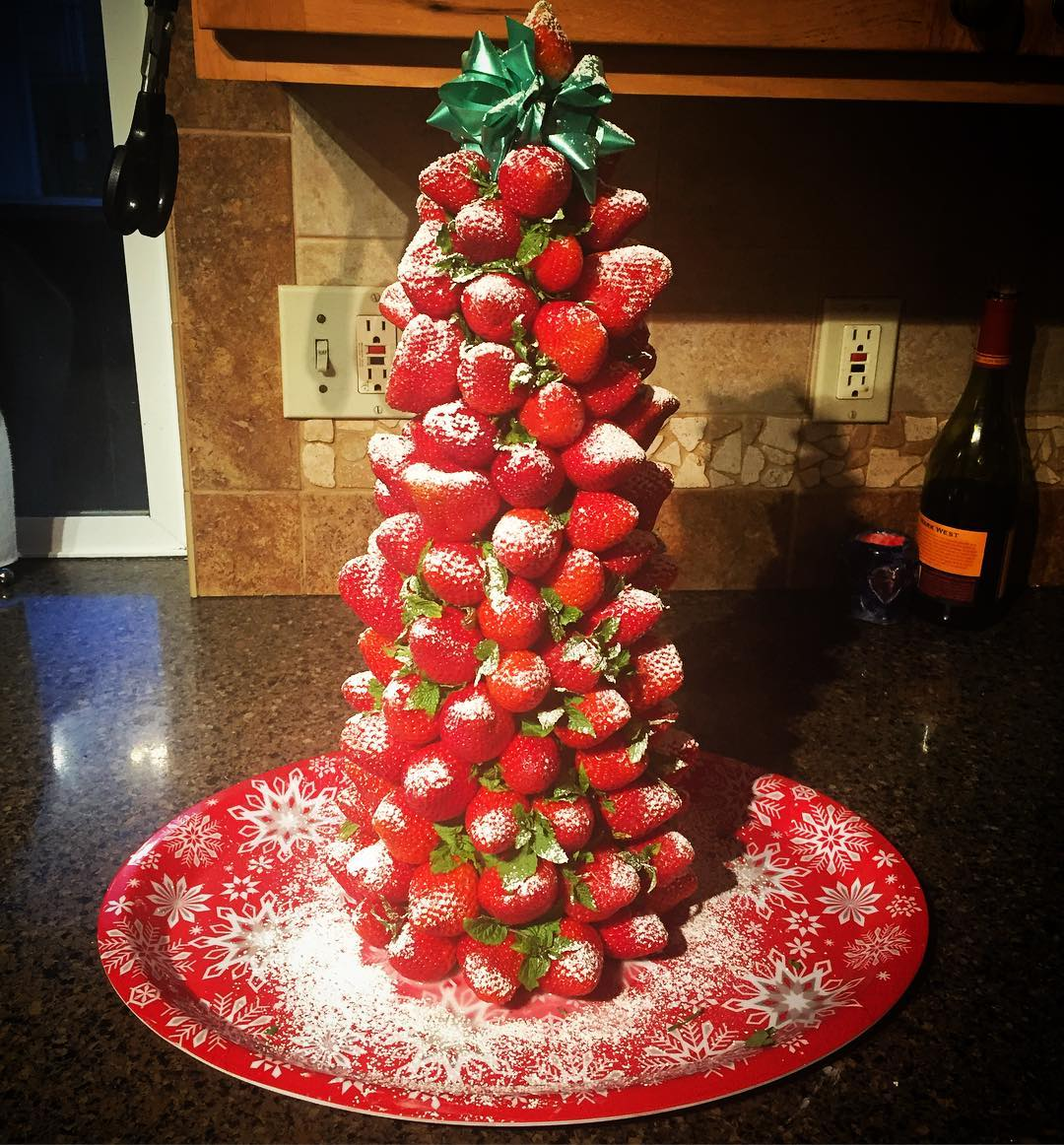 Strawberry Christmas Tree (4)