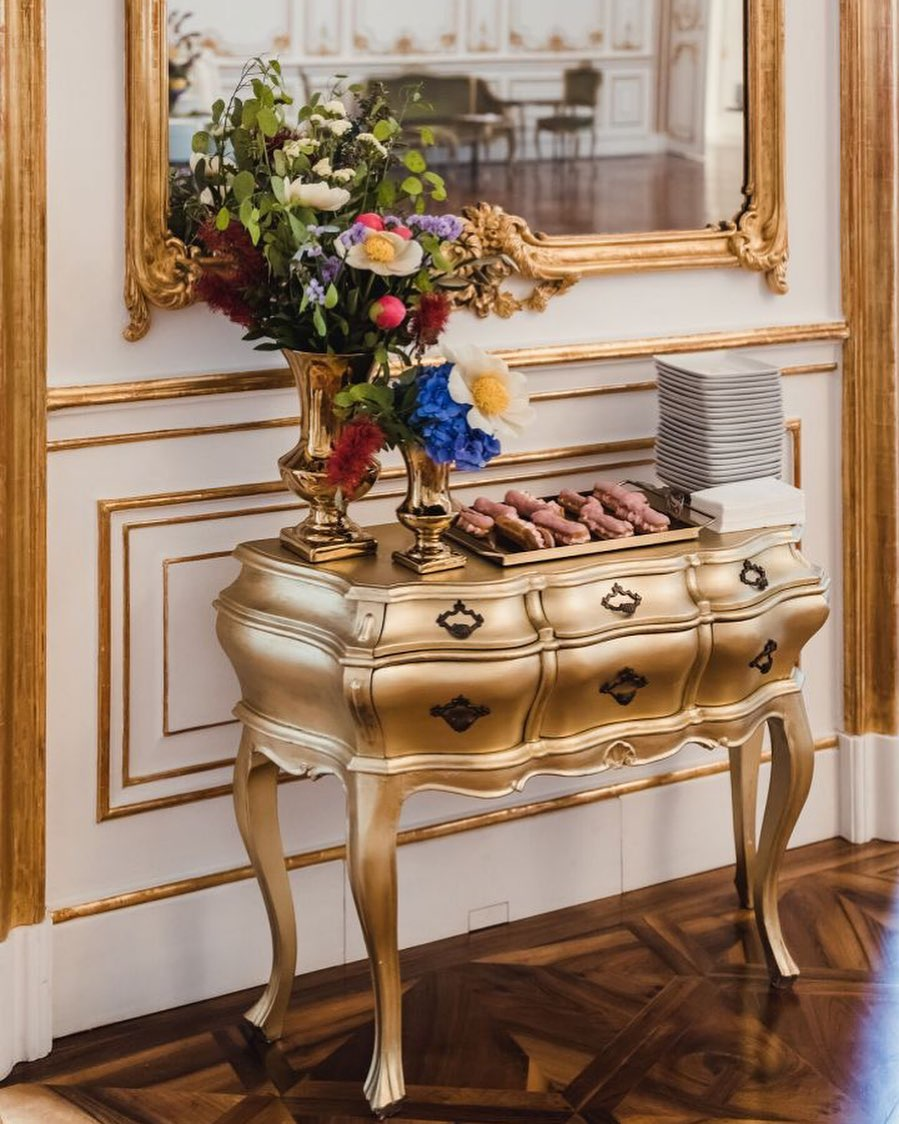 Golden Yellow Home Decorating Ideas 2020 (25)