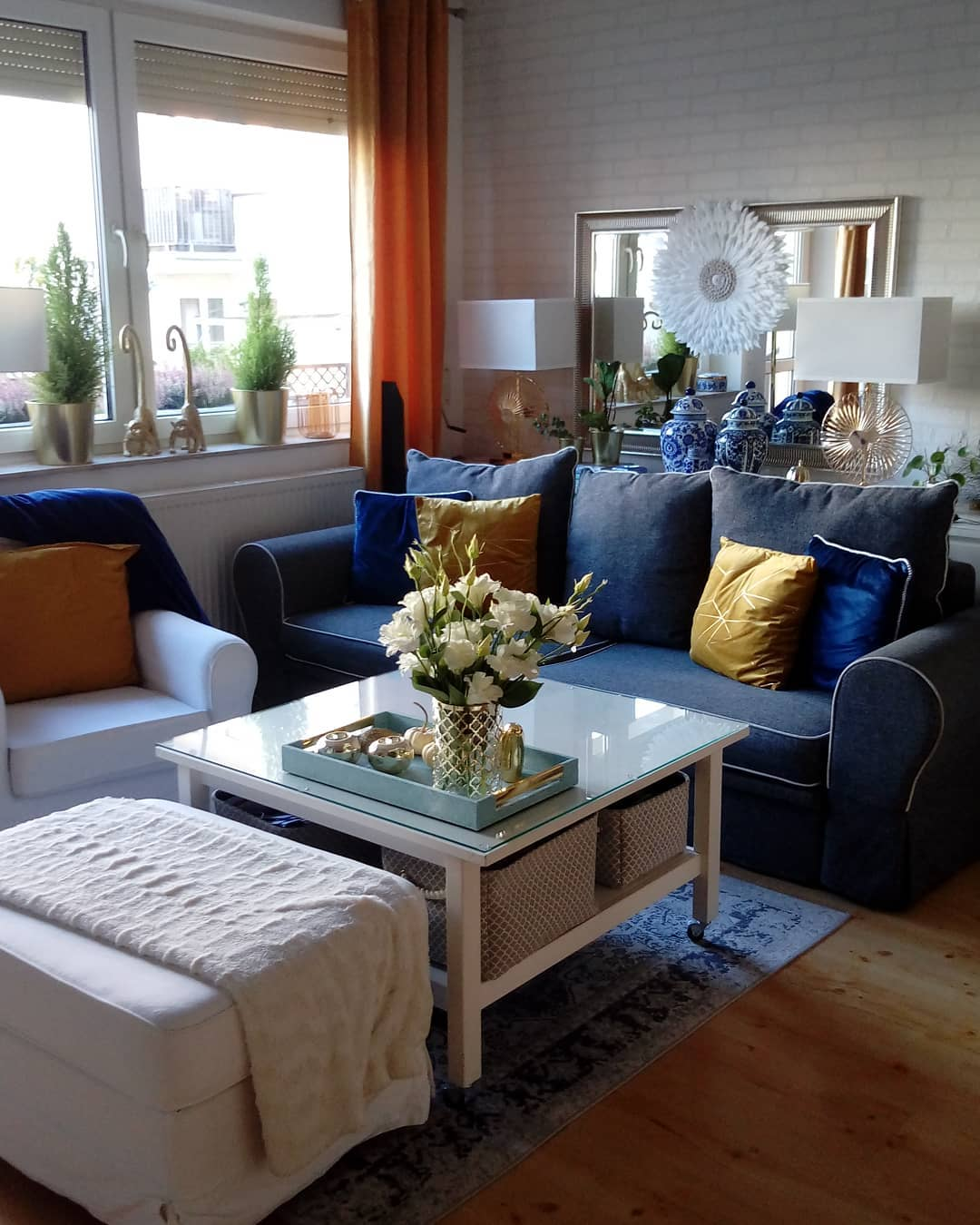 Golden Yellow Home Decorating Ideas 2020 (27)