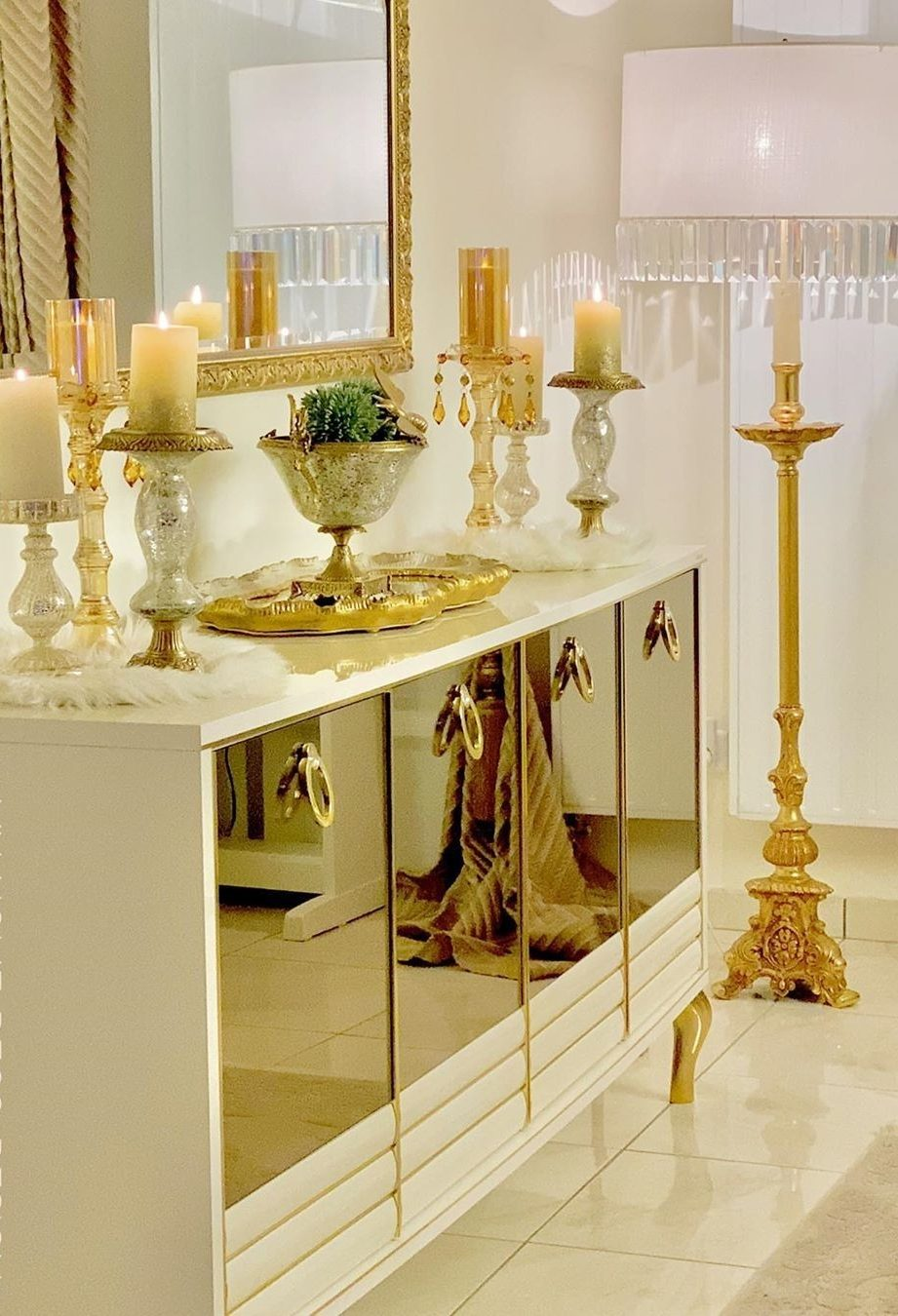 Golden Yellow Home Decorating Ideas 2020 (28)