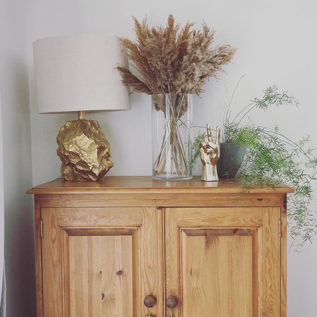 Golden Yellow Home Decorating Ideas 2020 (40)