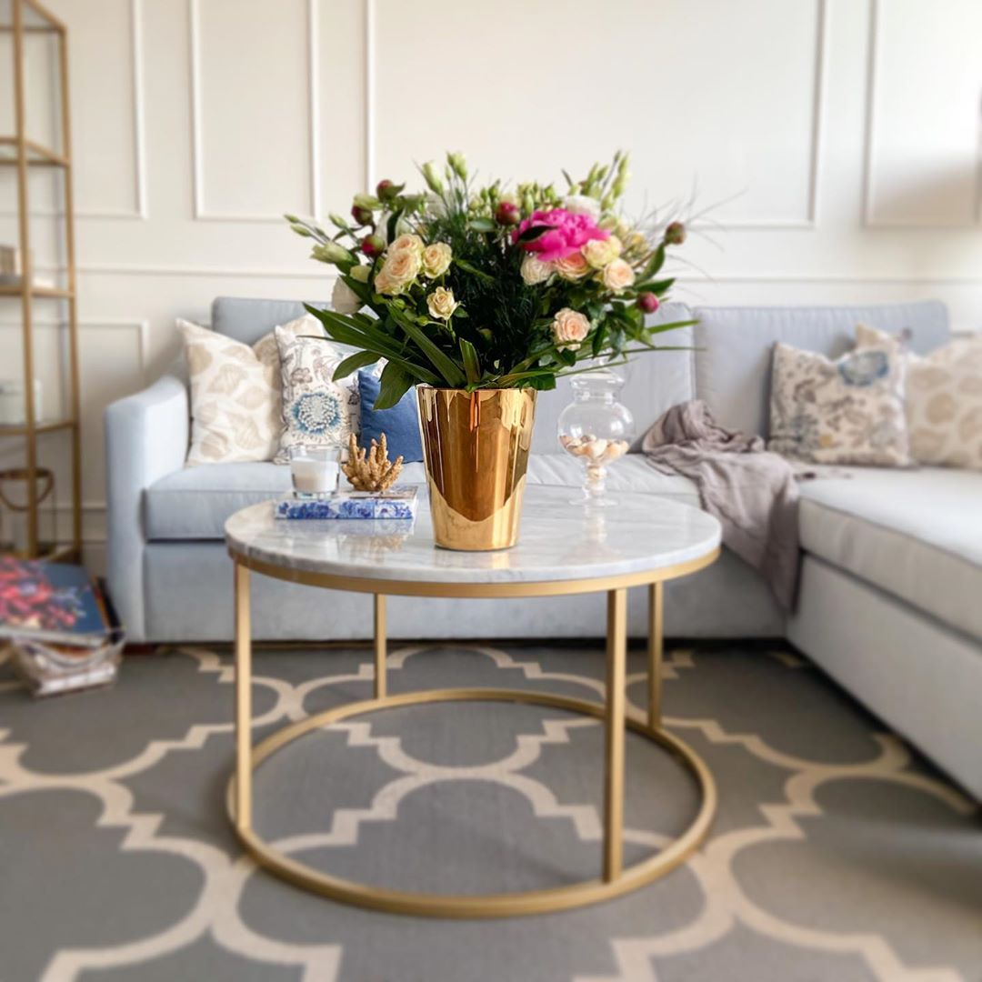 Golden Yellow Home Decorating Ideas 2020 (41)