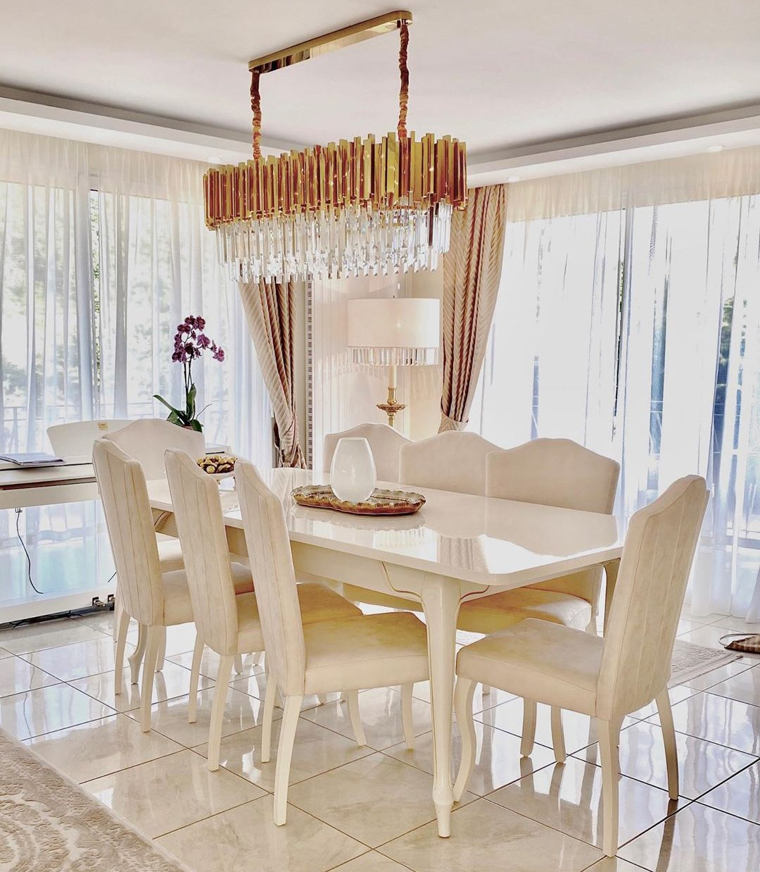 Golden Yellow Home Decorating Ideas 2020 (49)