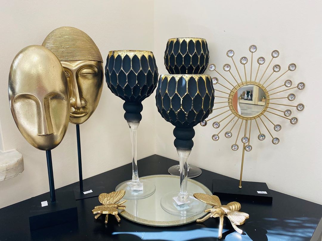 Golden Yellow Home Decorating Ideas 2020 (81)