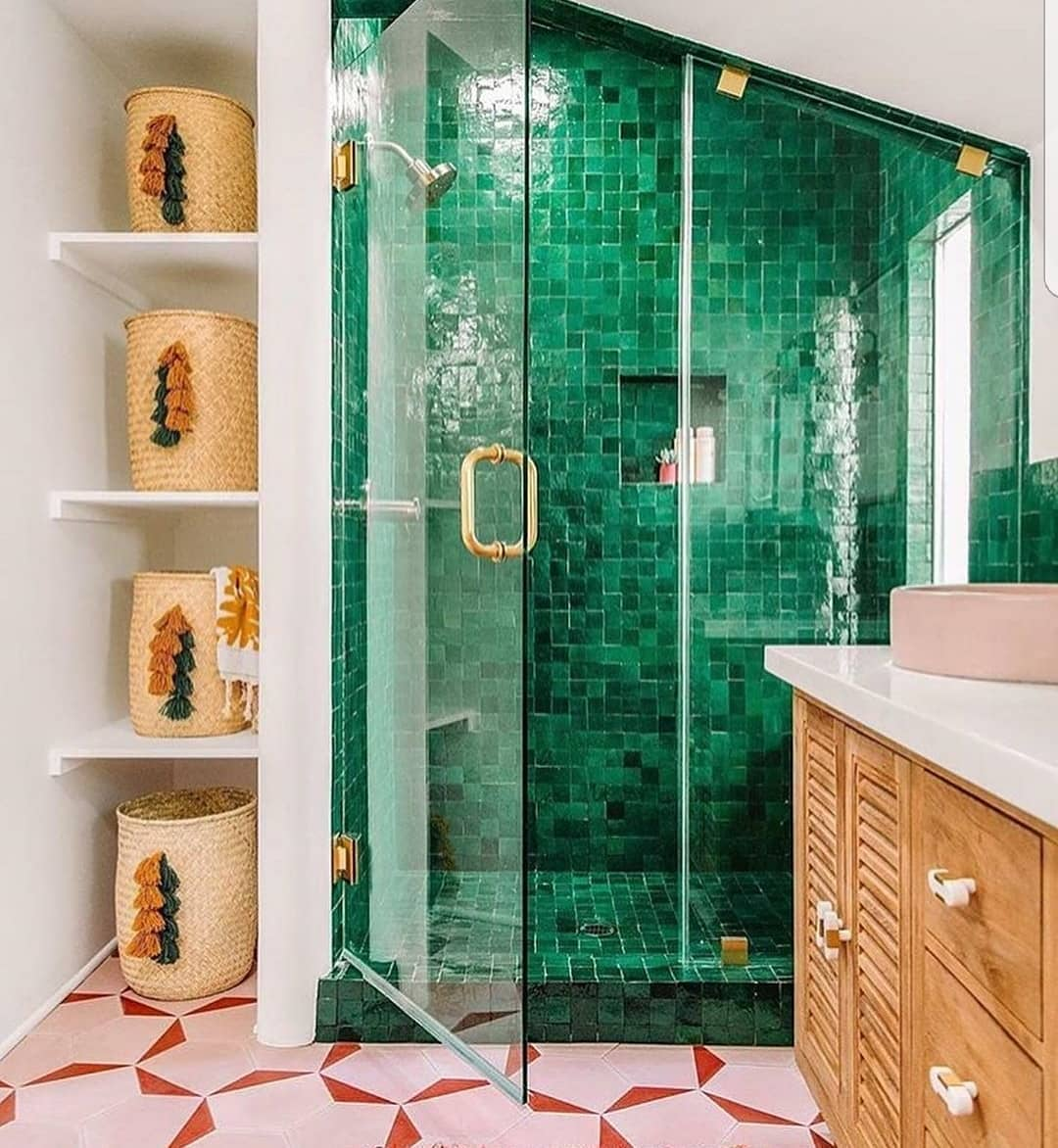 Bathrooms Decorated with Sea Views and Tones (20)