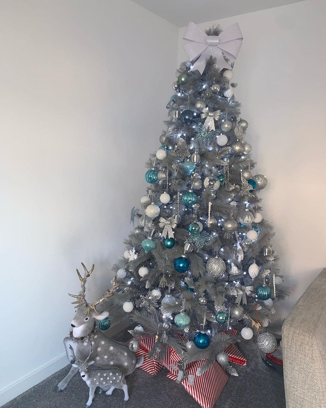 Gray Christmas Decoration for 2021 (5)