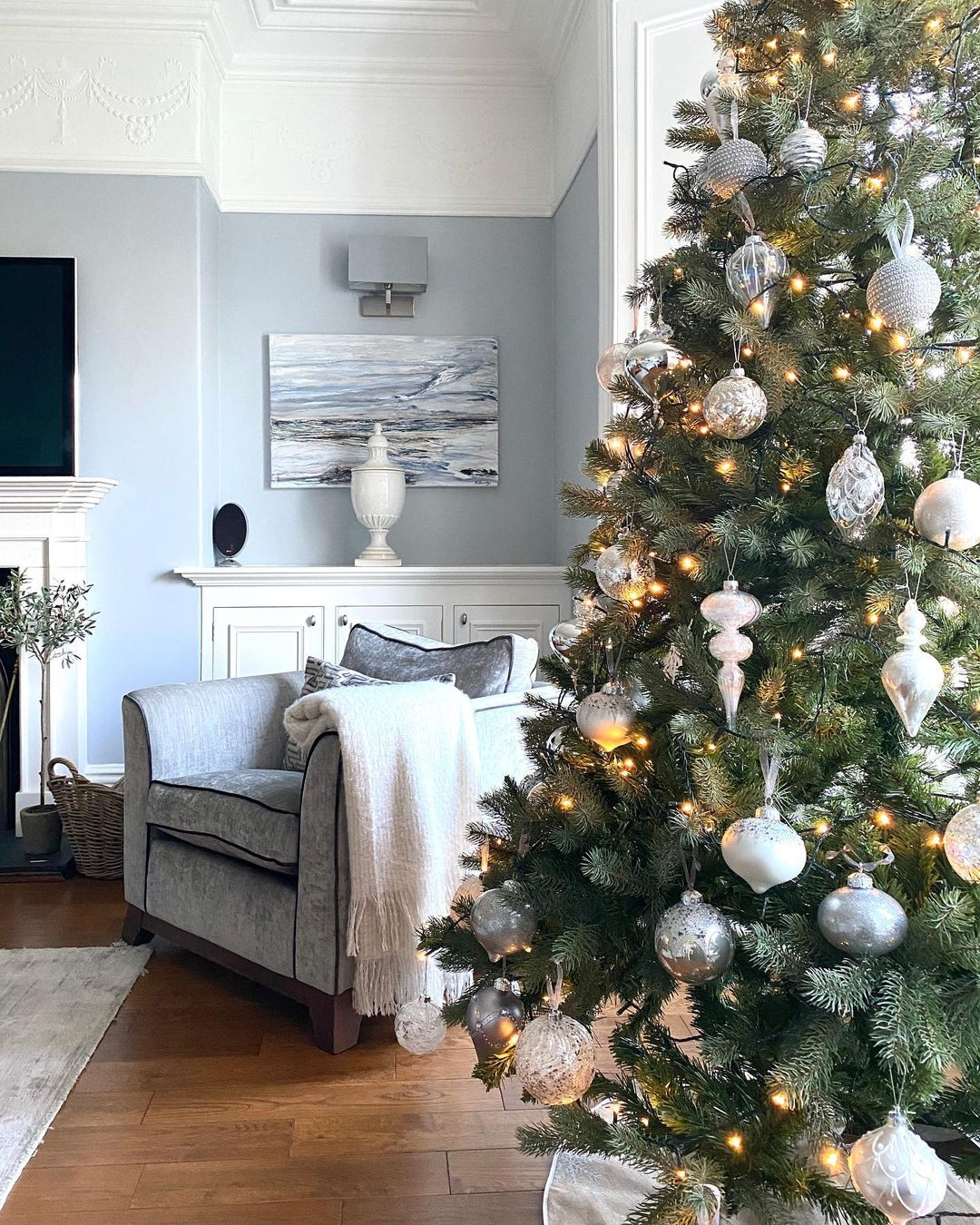 Gray Christmas Decoration for 2021 (7)