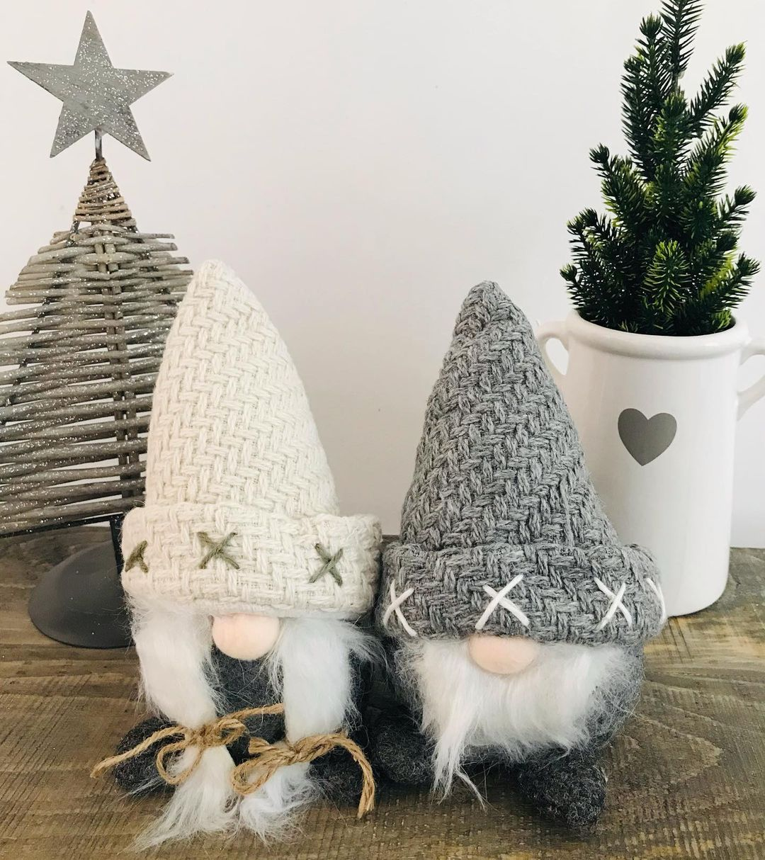 Gray Christmas Decoration for 2021 (9)