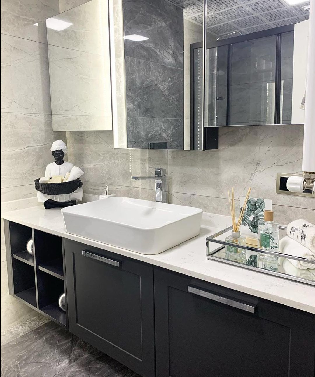 Gray or Black Tones in Your Bathroom (28)