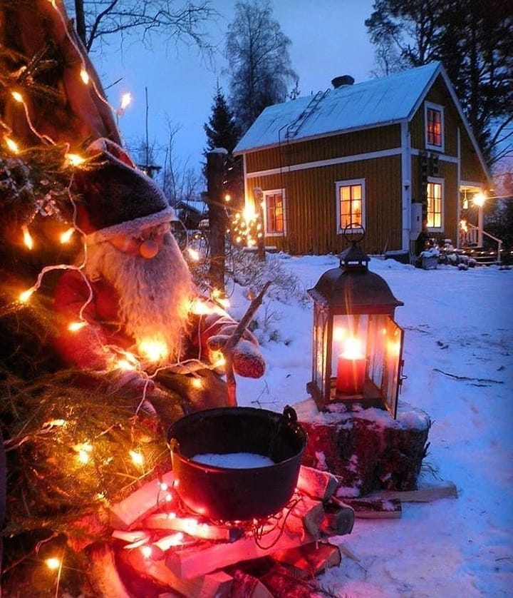 Snow Covered Home Entrance Decoration (15)