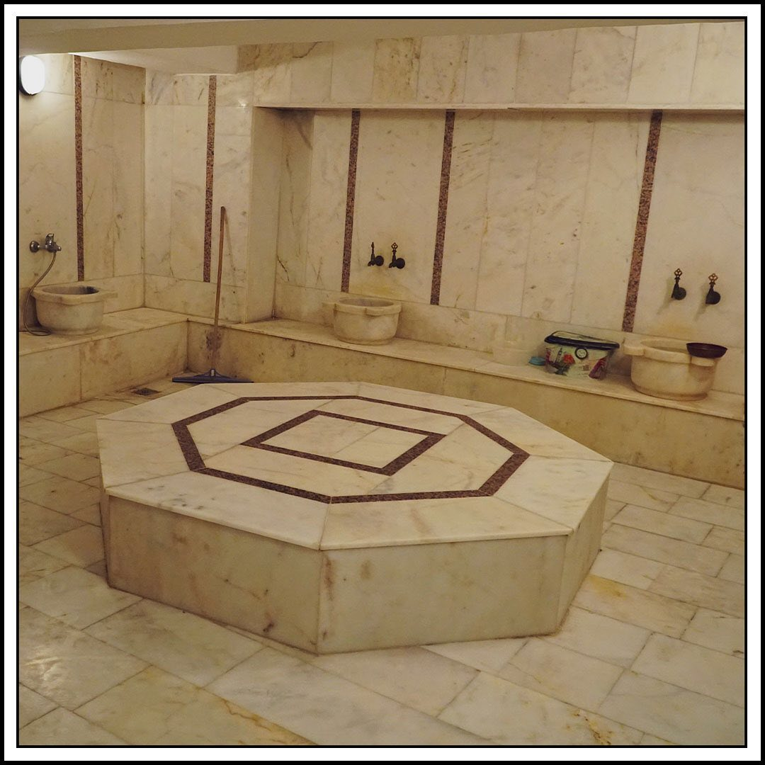 Traditional Bathroom (1)