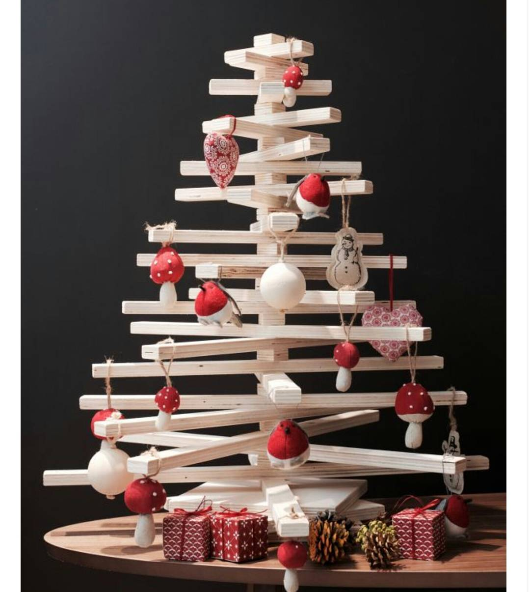 Wooden ChriWooden Christmas Trees (2)stmas Trees (2)
