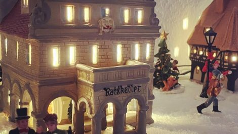 Christmas Village Decoration (26)