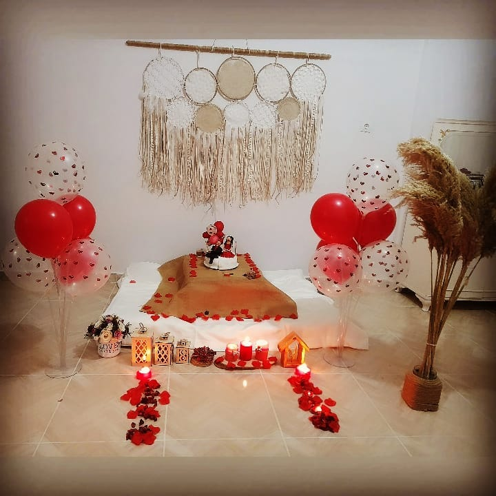 Room decoration for birthday surprise (18)