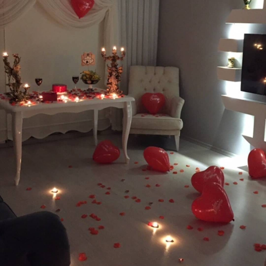 Room decoration for birthday surprise (19)