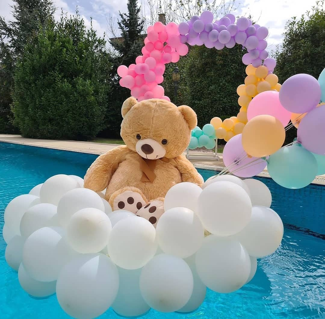 Room decoration for birthday surprise (5)